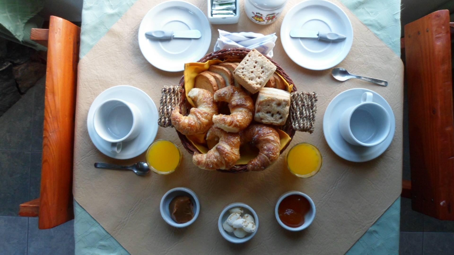 Desayuno Posada Emanuel en Villa General Belgrano